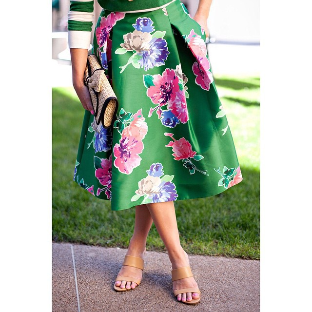 A sneaky peeky of Wednesday's post! My favorite skirt and…