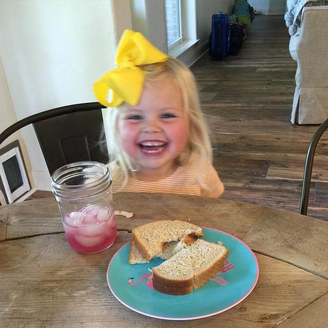 Blurry lunch shenanigans. #reaganforprez #littlepresidents #dailyfancyashley2015