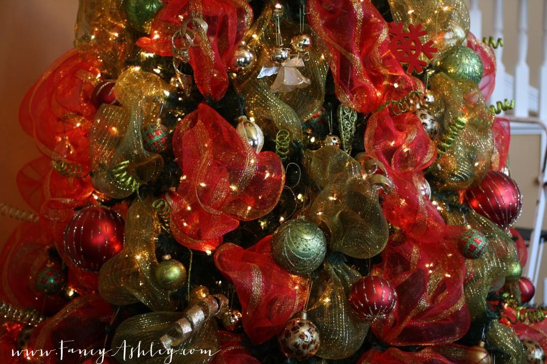Deco mesh video tutorial link fancy ashley for Fancy xmas decorations