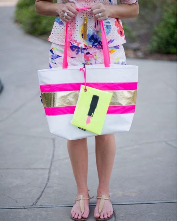 My favorite beach and pool totes are 20 off thishellip