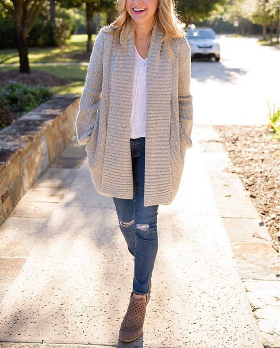Booties and sweater weather is my favorite! Click the linkhellip
