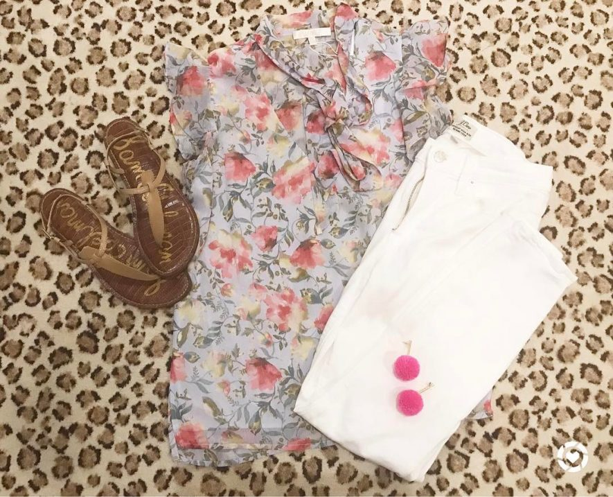 Floral tops and white denim are my favorite for springhellip