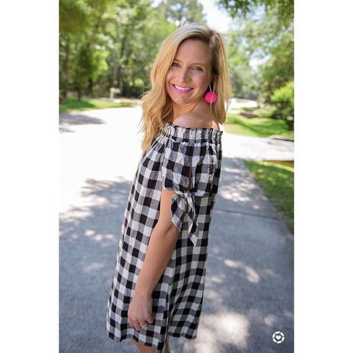 This cute dress is 40 off right now!! Love lovehellip