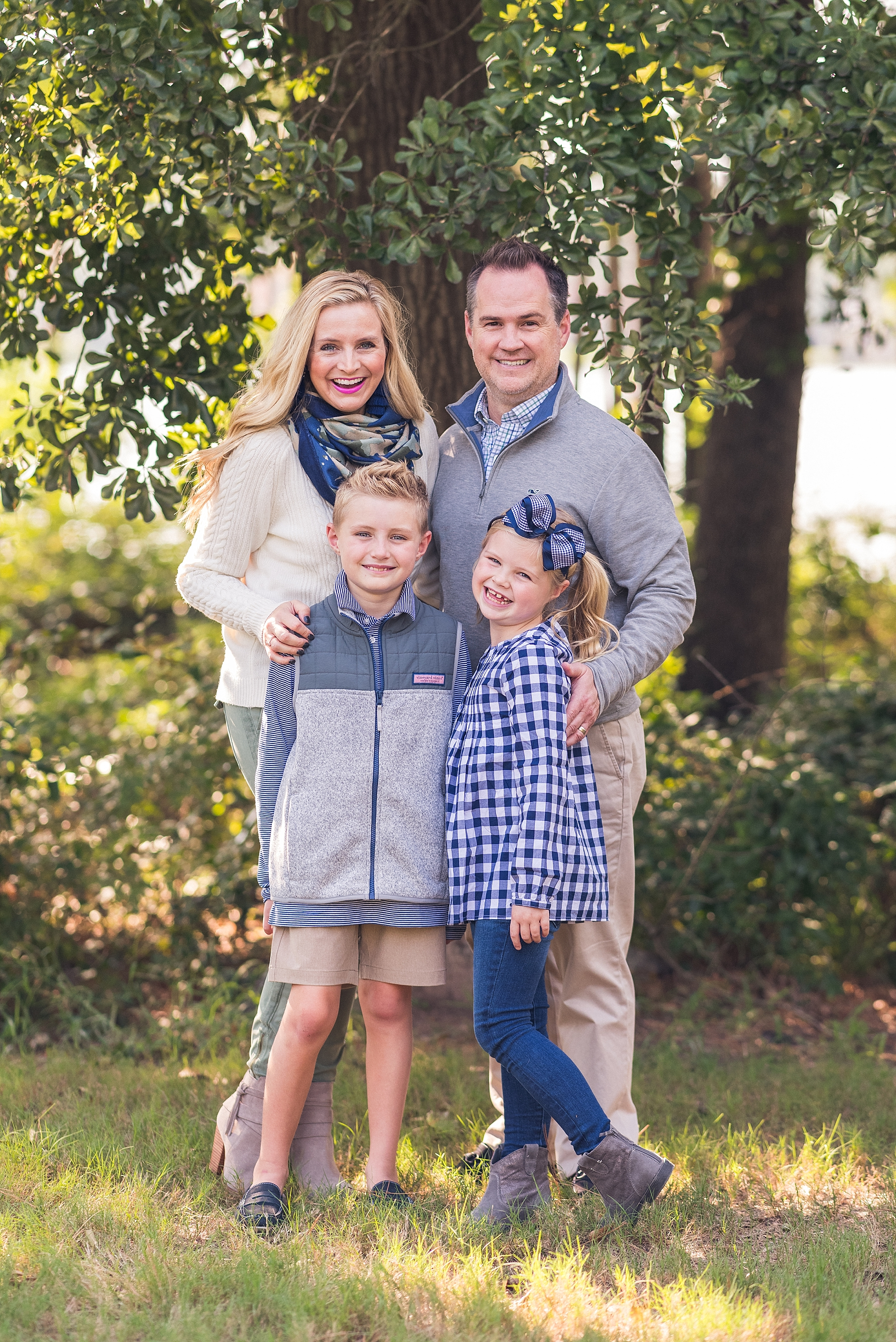 Cute Fall Family Photo Outfit Ideas Featured By Popular Houston Life And Style Blogger