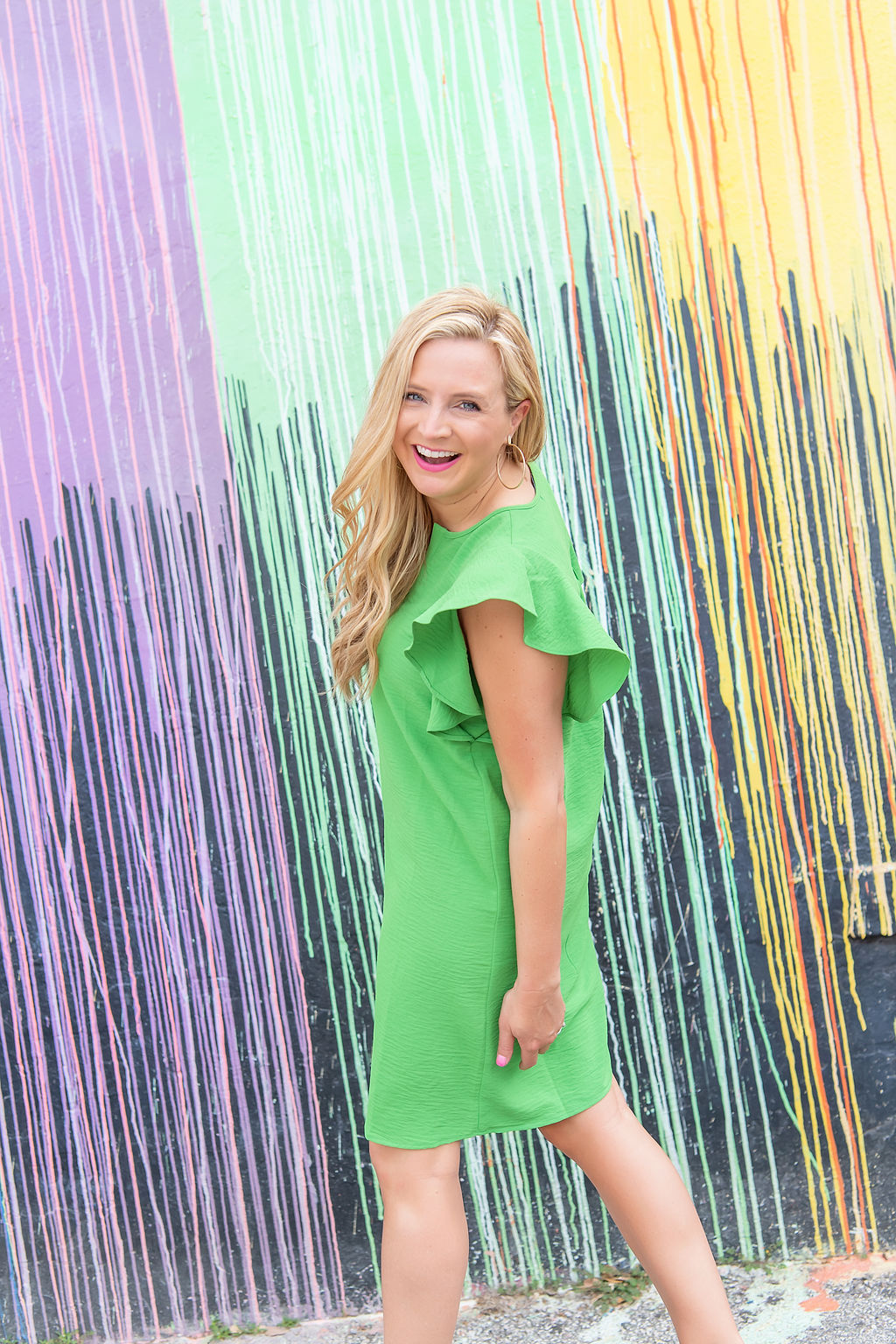 Summer Dress by popular Houston fashion blog, The House of Fancy: image of a woman wearing a Gibson Look flutter sleeve tunic dress.
